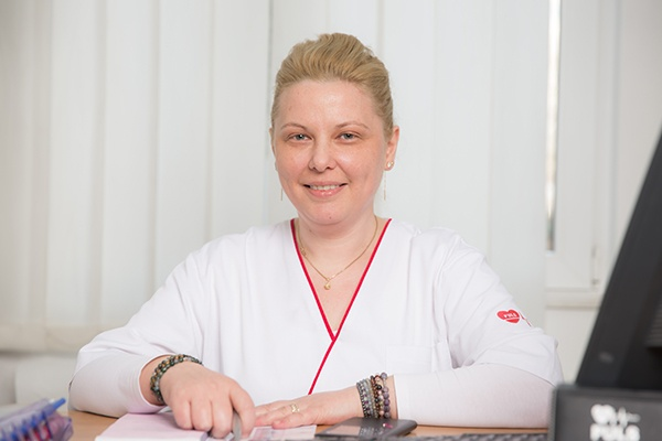 Dr. LIPA Daniela, Medic Specialist Obstetrica Ginecologie